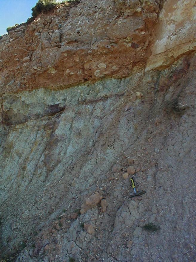brecha basal suevítica Rubielos de la Cérida