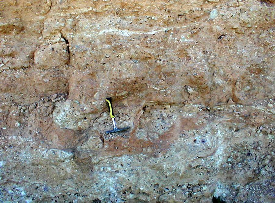 intercalación diques Fuentes Calientes Rubielos de la Cérida